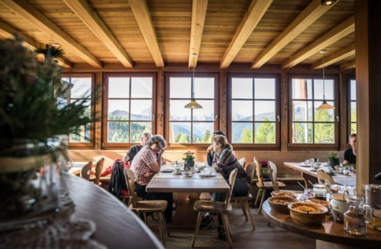 Kreuzwiese mountain hut Luson 71