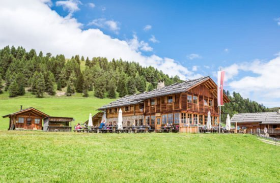 Kreuzwiese mountain hut Luson 2