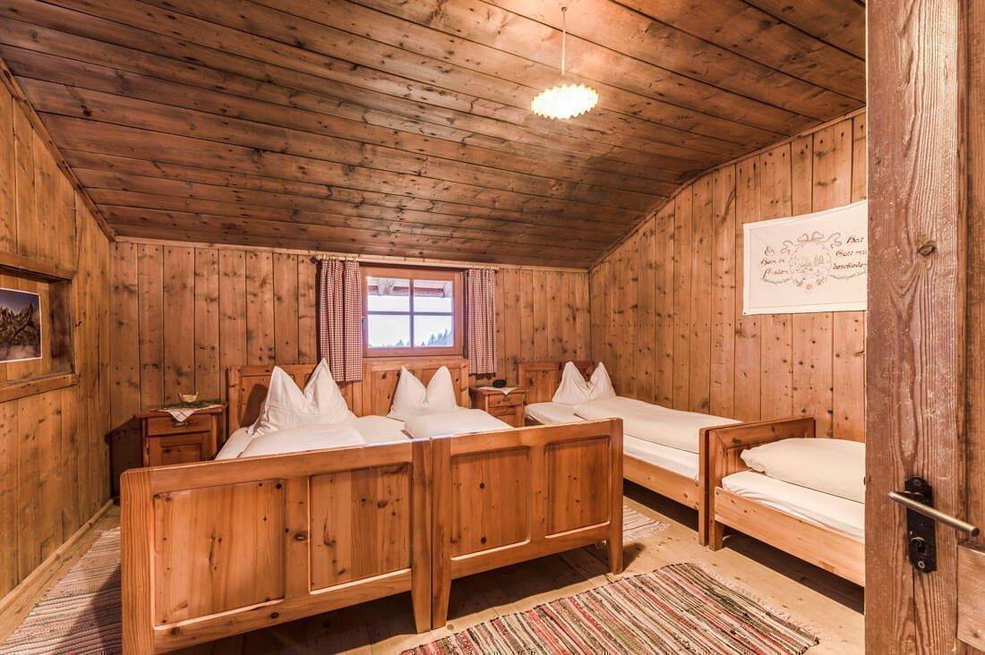 schutzhuette-kreuzwiesen-luesen-hottile-kammer