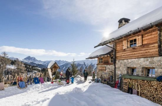 Winter holidays South Tyrol / Kreuzwiese hut 15