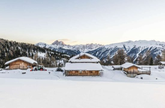 Winter holidays South Tyrol / Kreuzwiese hut 9